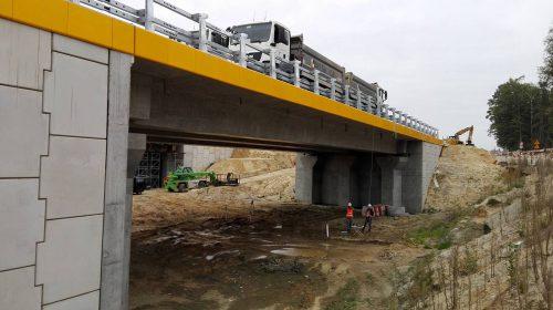 próbne obciążenie mostu / L.18-044 S17 Skrudki - Kurów Mota-Engil