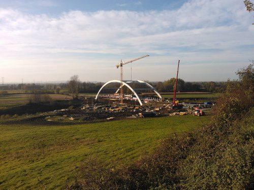 próbne obciążenie mostu / Próbne obciążenia dla budowy mostu łukowego wmiejscowości Stradomka
