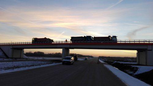 próbne obciążenie mostu / Próbne obciążenia obiektów dla budowy trasy S7 koło Szydłowca