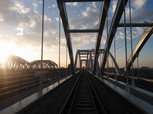próbne obciążenie mostu / Próbne obciążenia obiektów dla modernizacji linii kolejowej E30C-E30 - odcinek Kraków - Rzeszów