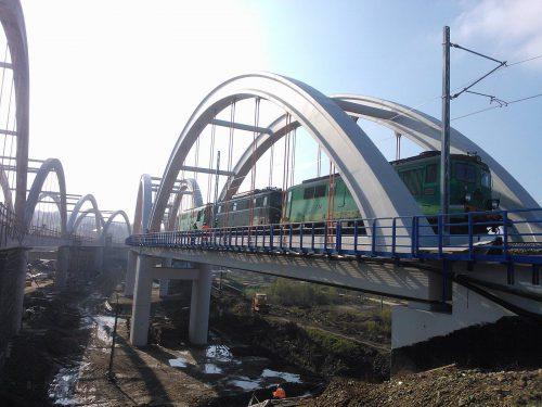 próbne obciążenie mostu / Próbne obciążenia obiektów mostowych dla budowy zbiornika wodnego Świnna Poręba