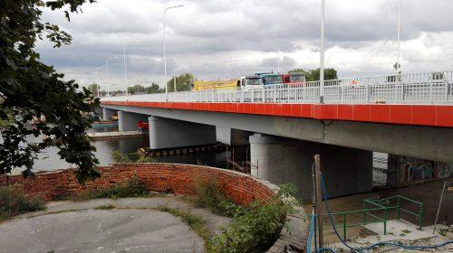 próbne obciążenie mostu / Próbne obciążenie mostu nadrzeką Nogat wMalborku