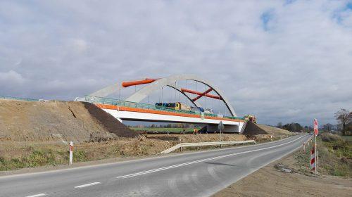 próbne obciążenie mostu / Próbne obciążenie obiektu dla budowy trasy S7 Ostróda Pd - Olsztynek
